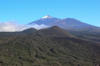 Pierwszy punkt widokowy znajduje się dosłownie chwilę drogi od Santiago del Teide