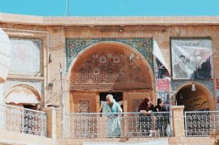 karwansaraj w centrum bazaru