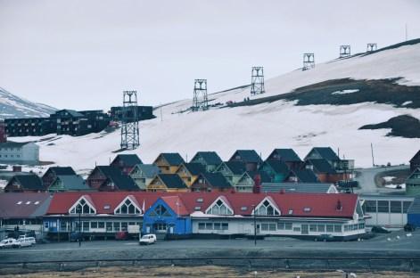 słynne kolorowe domki Longyearbyen