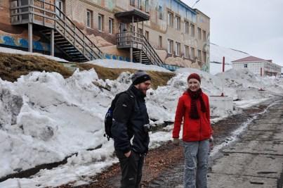 krótkie rozmowy po rosyjsku z przewodniczką. Yelena przyjechała do Barentsburga miesiąc temu z Moskwy. Mówi także po angielsku i norwesku