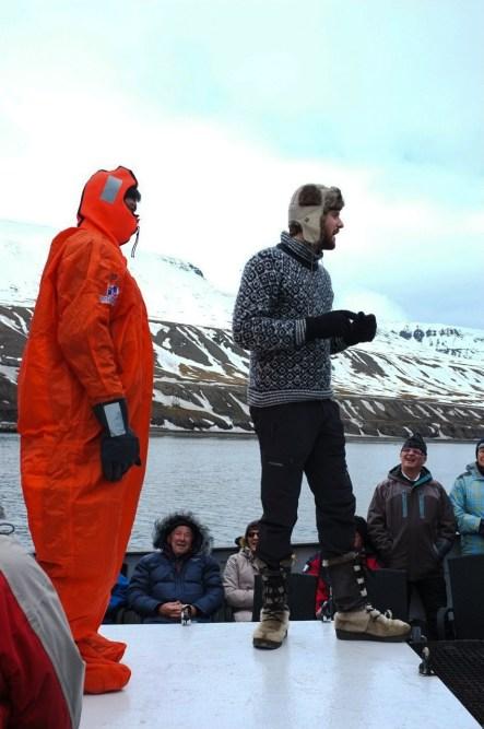 """nasz norweski przewodnik - szkolenie pt. """"co robić jak się rozbijemy w lodowatym morzu"""""""