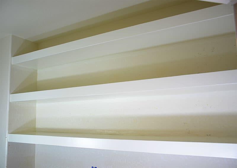 finished-pantry-shelves