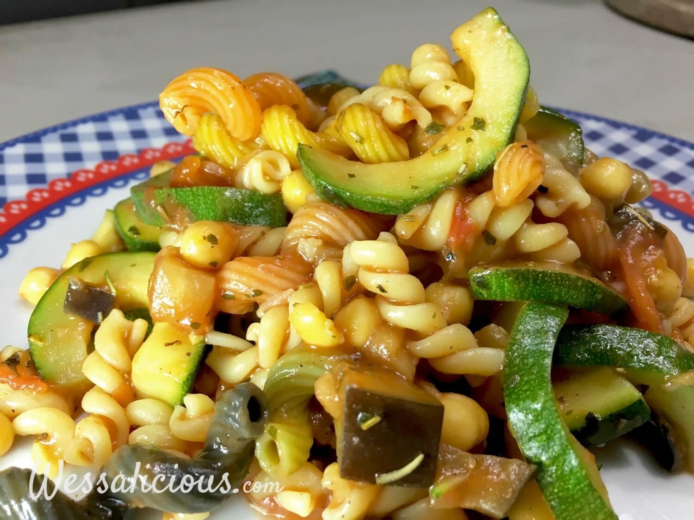 pasta met kikkererwten en aubergine