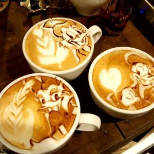 latte art Disney Duck