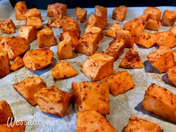 voor het bakken van de Patatas Bravas