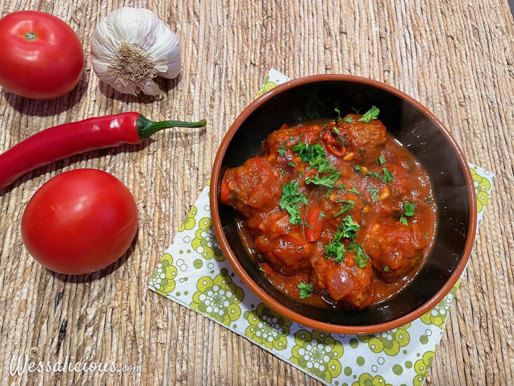 Vegetarische Albondigas – Spaanse gehaktballetjes in tomatensaus
