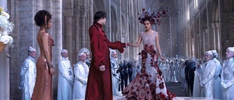Jupiter Jones (Mila Kunis) soll nicht der Liebe wegen heiraten. Der finstere Balem (Eddie Redmayne) hegt gemeine Pläne mit der schönen Amazone...