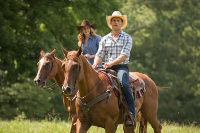 Luke (Scott Eastwood) und Sophia (Britt Robinson) genießen die Zweisamkeit auf dem Rücken der Pferde.