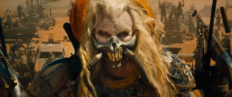 Der Warlord Immortan Joe (Hugh Keays-Byrne) hat die Jagd auf Max und Furiosa eröffnet.