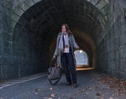 Welche Beobachtung hat Rachel (Emily Blunt) in dieser Unterführung gemacht?
