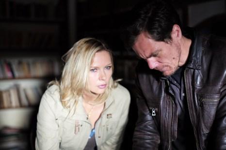 Der Grund für die Entführung ist eine der dümmsten Filmideen der Kinogeschichte...