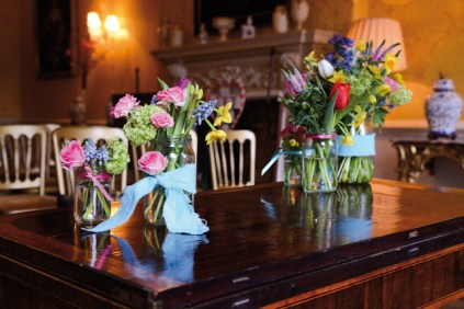 Dressed tables by Bijoux Floral Design