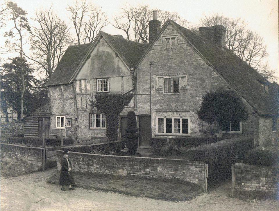 Tudor Cottage, Station road