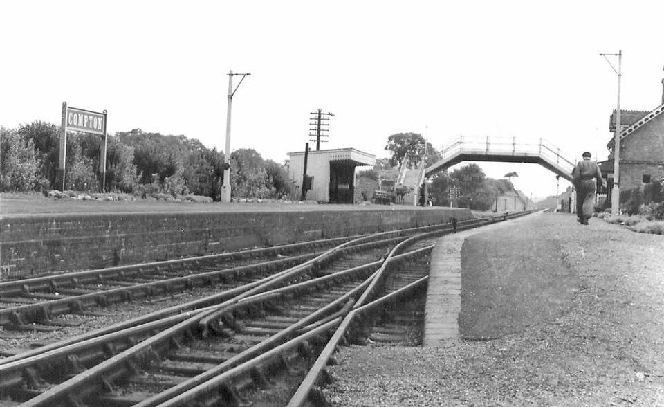 compton railway station