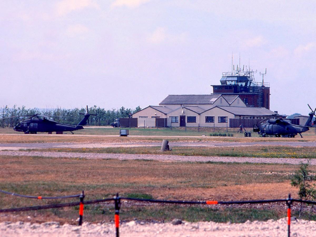UH60s-Jun-5-1990