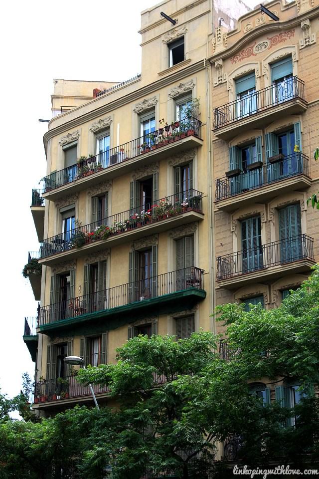 barcelona apartment building