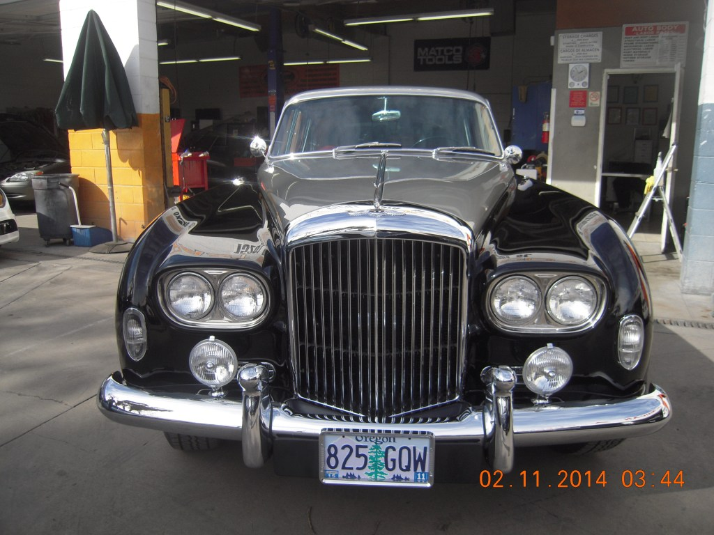 west-coast-body-and-paint-1953-bentley-continental-flying-spur-15