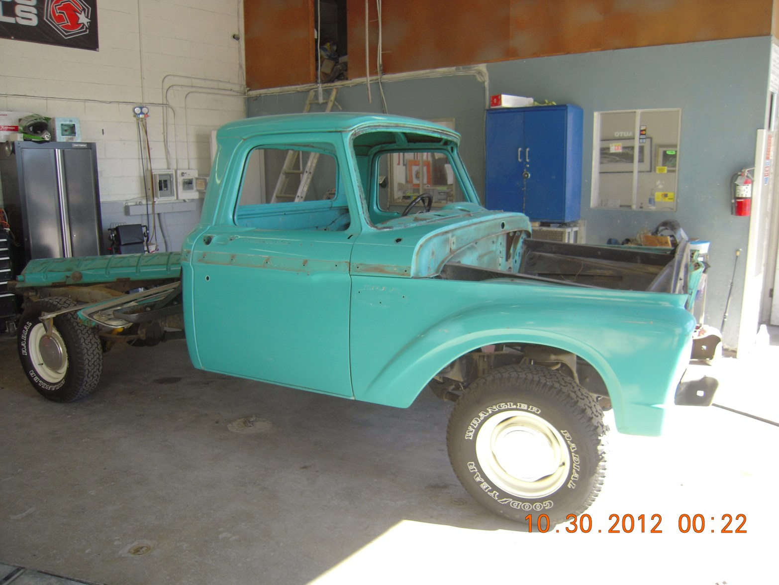 west-coast-body-and-paint-1966-ford-f100-green-white-5