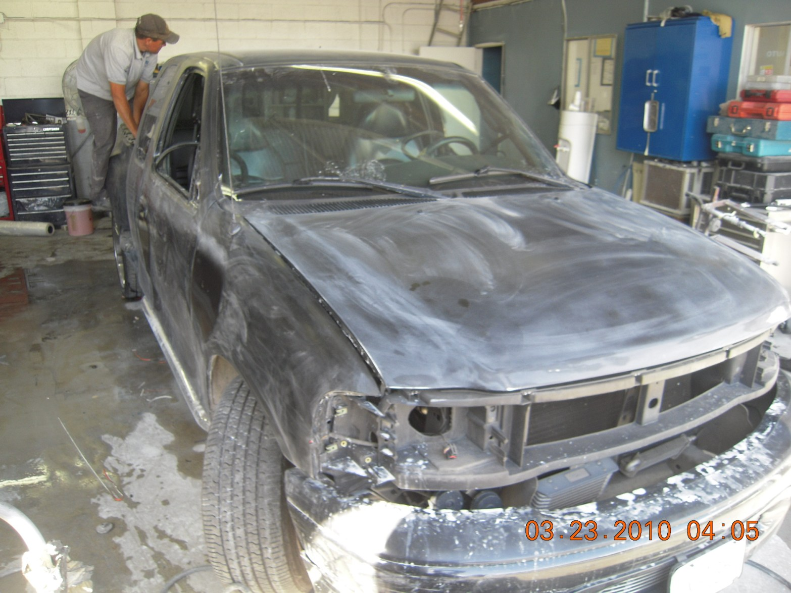 west-coast-body-and-paint-black-ford-f150-16