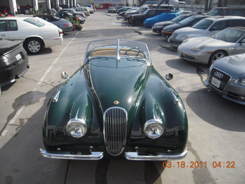west-coast-body-and-paint-green-jaguar-xk120-35
