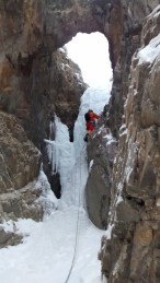 Wes leading the slot/tunnel pitch on Super Bok, in the Canadian Rockies (Field, BC)