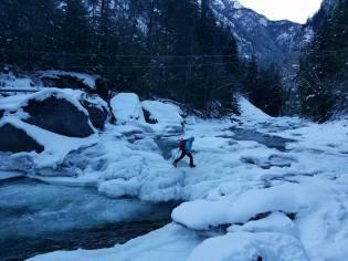 Ice bridge crossing. No cables needed (see them above)! (Ilia Slobodov)