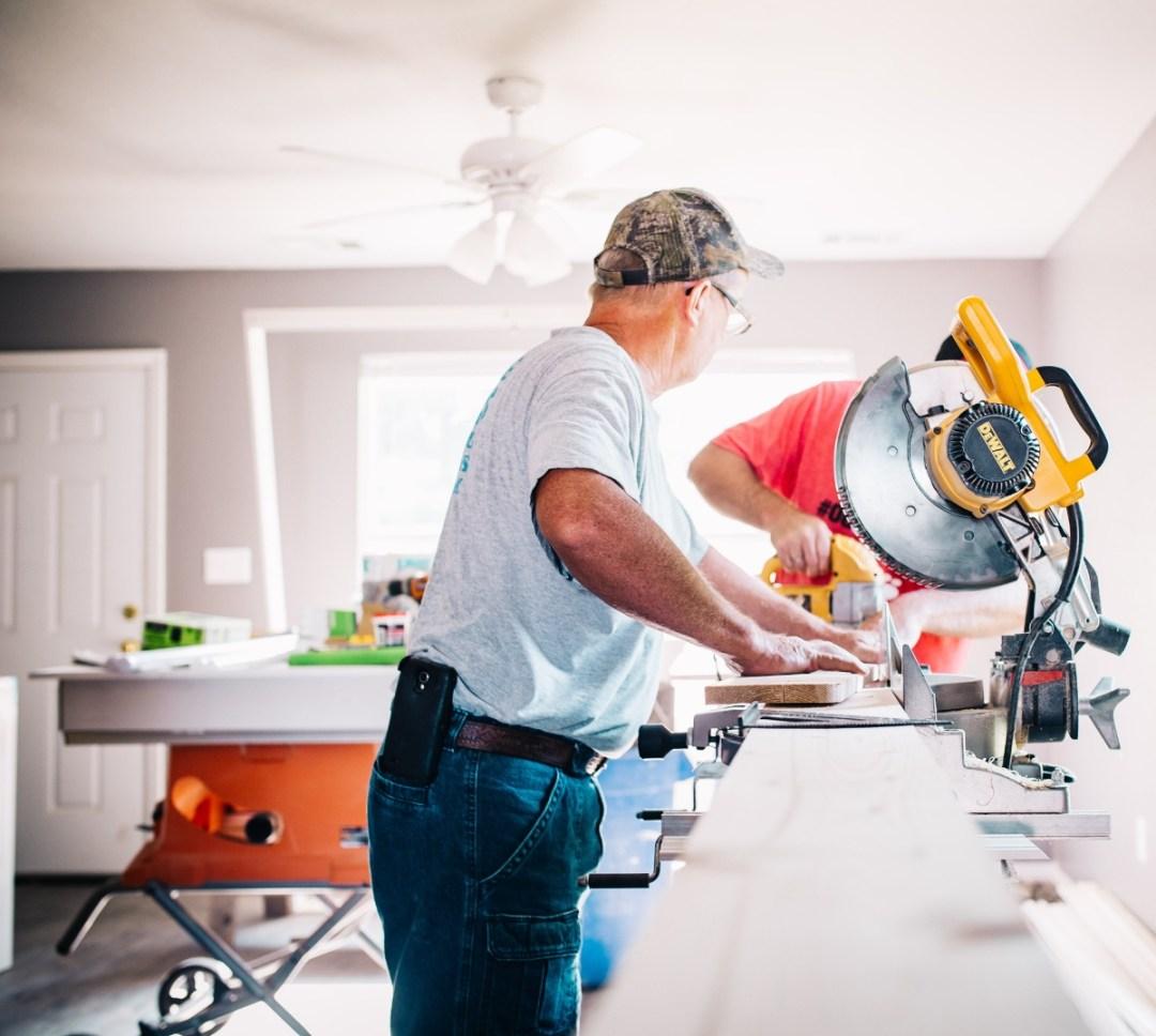 man working construction, worksafebc