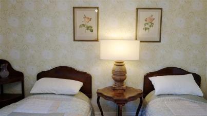 Green Room, Twin Room