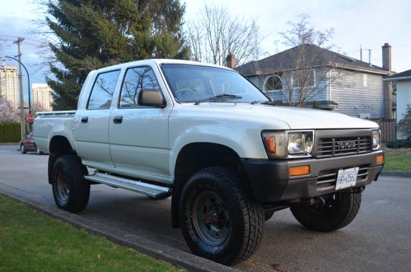 spotted rhd toyota hilux diesel quadcab pickup for sale west county explorers club. Black Bedroom Furniture Sets. Home Design Ideas