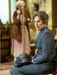 Margaret Tyzack and Penelope Wilton in The Chalk Garden