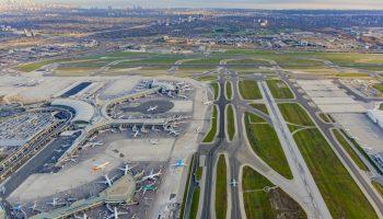 Toronto airport terminals and runways