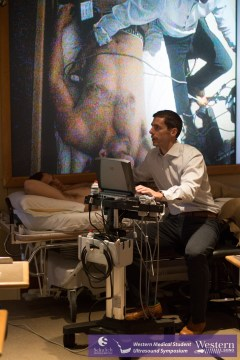 Arntfield live-demos some fundamental ultrasound principles.