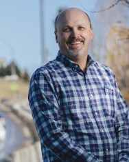 Outdoor portrait of David Kack in 2020