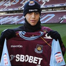 Morrison loaned to Birmingham