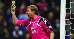 Breaking News: Jussi Signs