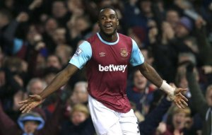 Video Michail Antonio does Homer Simpson celebration after goal vs Sunderland