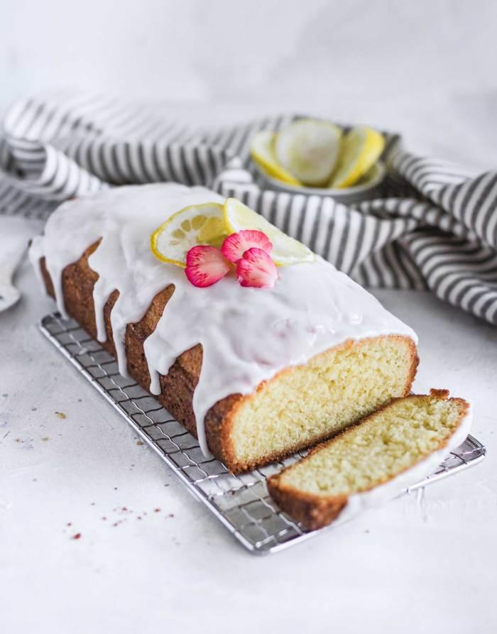 glazed-cake-with-lemon