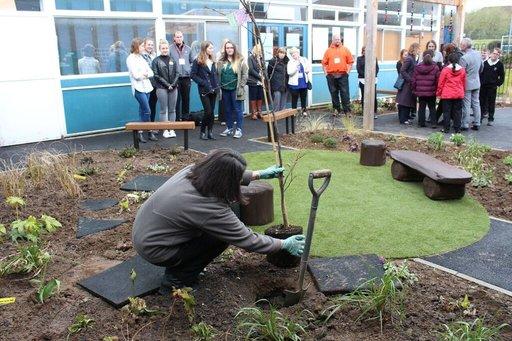 priesthorpe school garden1