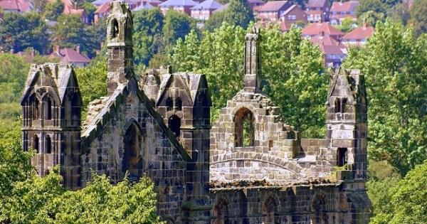 kirkstall abbey tower