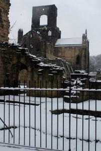 kirkstall abbey snow