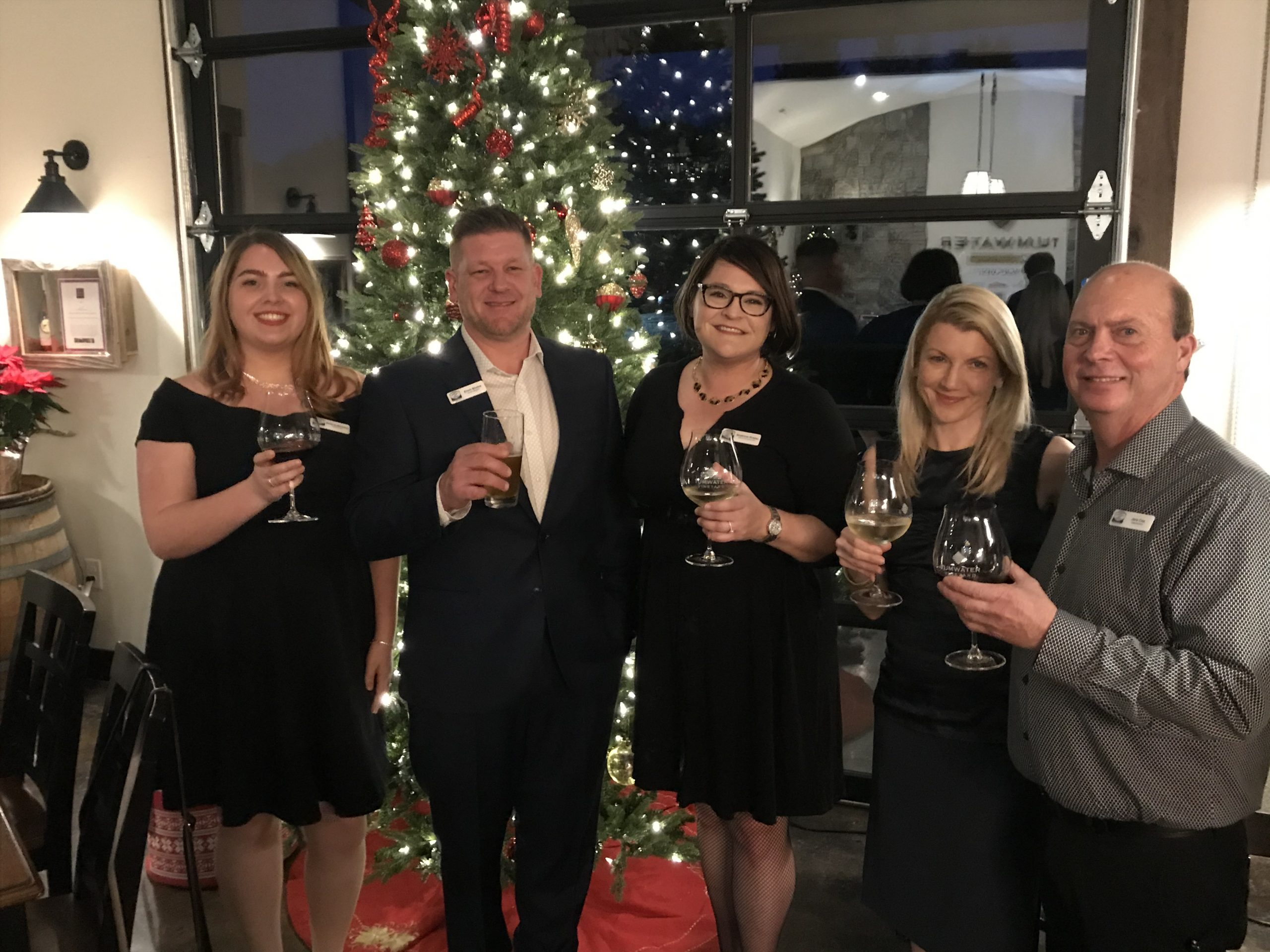 Cheers to 2020 from the West Linn Chamber Board & Ambassadors!