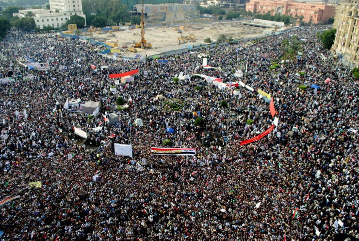 Egyptians pprotesting in Tahir Square, 18 November, 2011. (Photo: Lilian Wagdy)