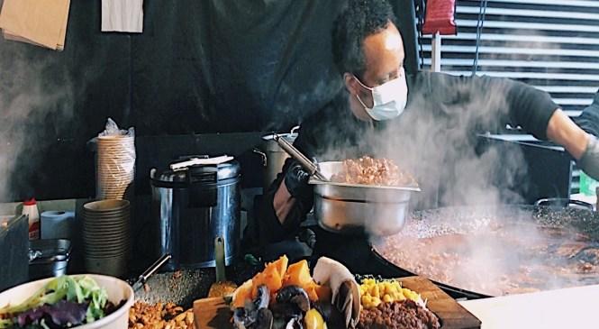 Londoners enjoy street food markets during lockdown