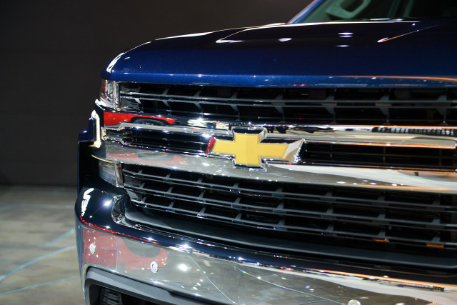 MPG in 2019 Chevy Silverado pickup truck