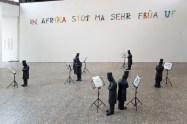 "Chr. Ratti: ""In Afrika stoht ma sehr früa uf"" - O. Hörl: ""Der Künstler Kaspar Hauser"" (Foto @ Ronny Waleska)"