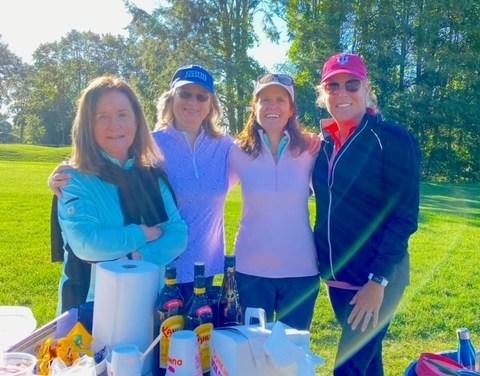 Longshore Lady Golfers Help Aid Hungry