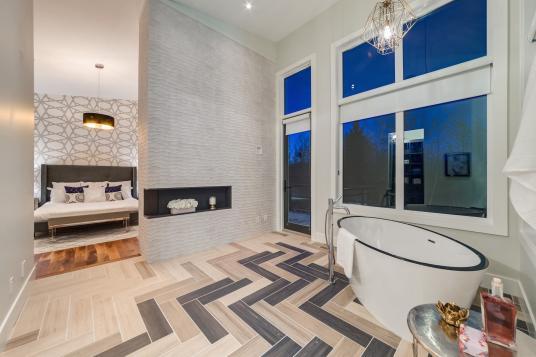 Silverhorn 16 Bathroom