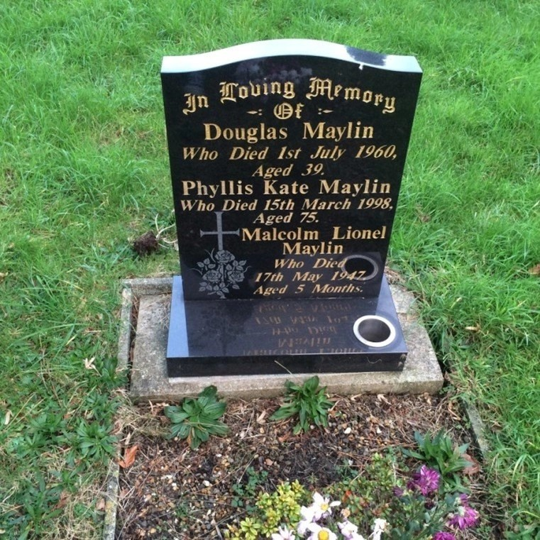 Douglas Maylin's grave in Cathays Cemetery, Cardiff.