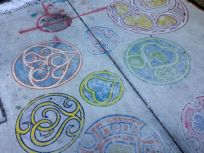 A little sidewalk art, at Sick Kids' Hospital. Hmmm, in hindsight, this looks like the work of What is Victor Up To?