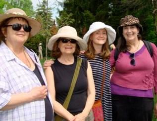 Nilla, Skylar, Jorien and I - enjoying the day (photo: Sharon MacIntyre)
